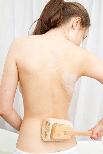 Luffa Rückenbürste Körperbürste Badebürste Rückenschrubber mit langem Holz-Stiel (abnehmbar), Dusch- Bad und Sauna Bürste für Körper und Rücken mit Anti-Cellulite Effekt für eine schöne Haut, Wellness für Männer & Frauen, vegan - 4
