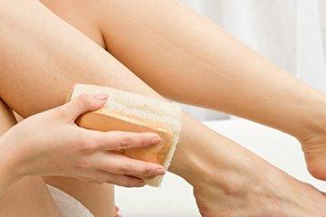 Luffa Rückenbürste Körperbürste Badebürste Rückenschrubber mit langem Holz-Stiel (abnehmbar), Dusch- Bad und Sauna Bürste für Körper und Rücken mit Anti-Cellulite Effekt für eine schöne Haut, Wellness für Männer & Frauen, vegan - 9